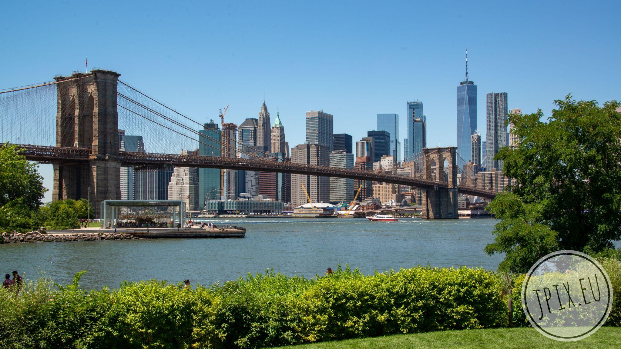 Brooklyn Bridge New York Skyline, USA