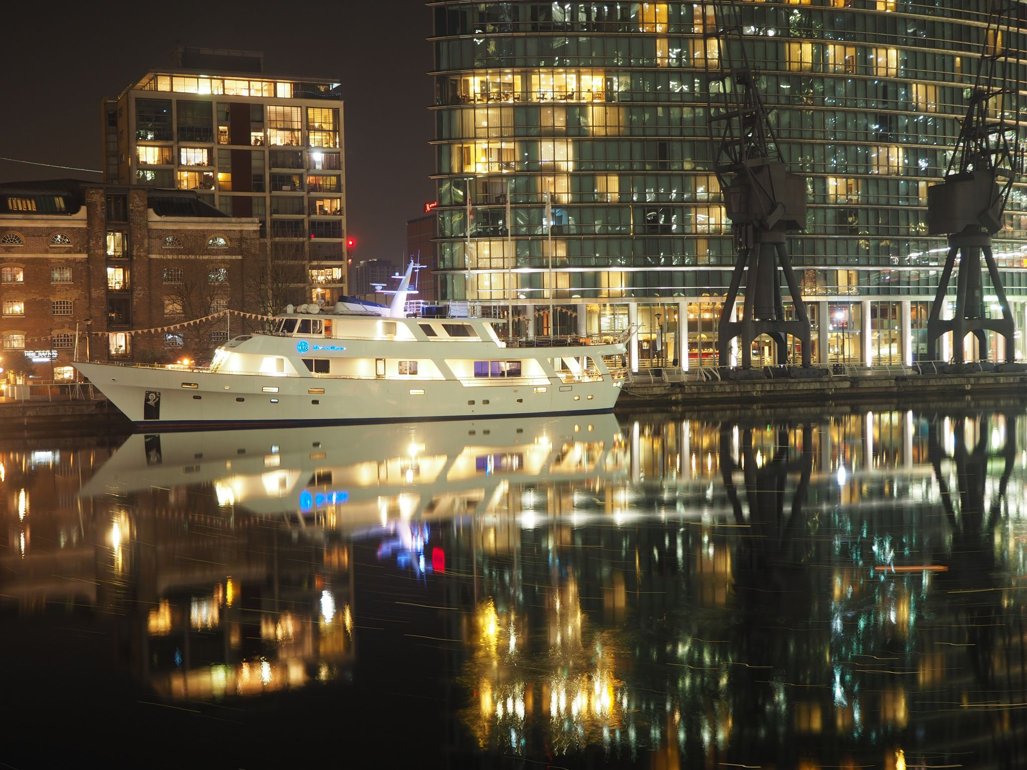 Canary Wharf Boat, United Kingdom