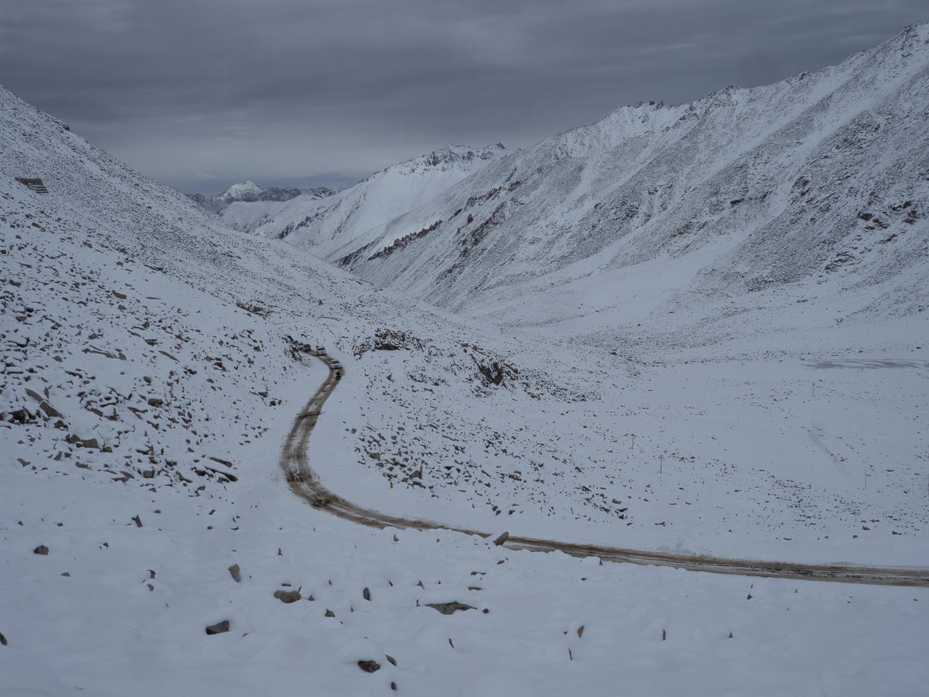 Kardhung La pass, India