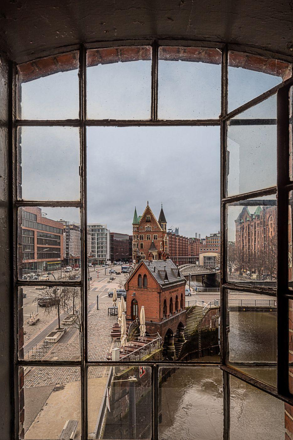 Speicherstadtfenster, Germany
