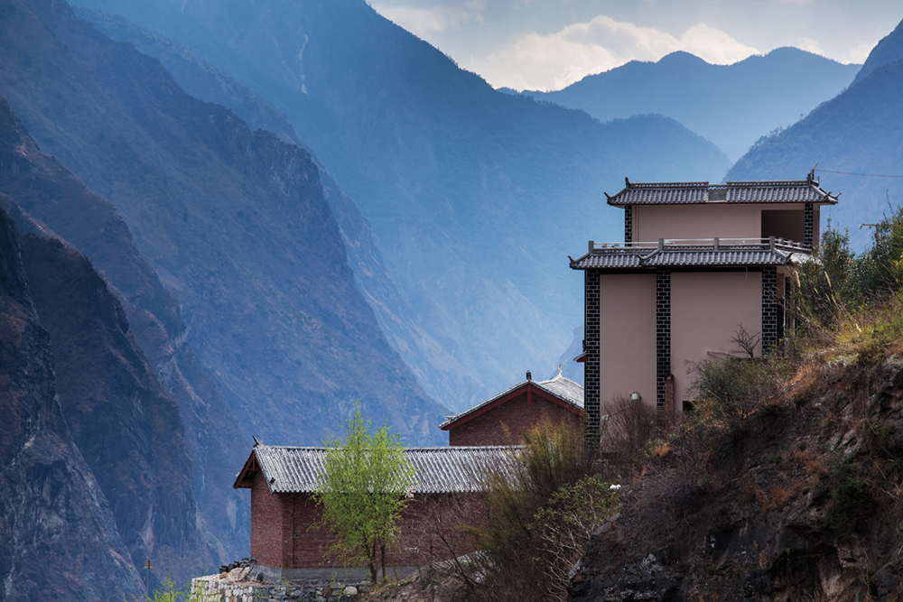Guest house at the Tiger Leaping Gorge, China