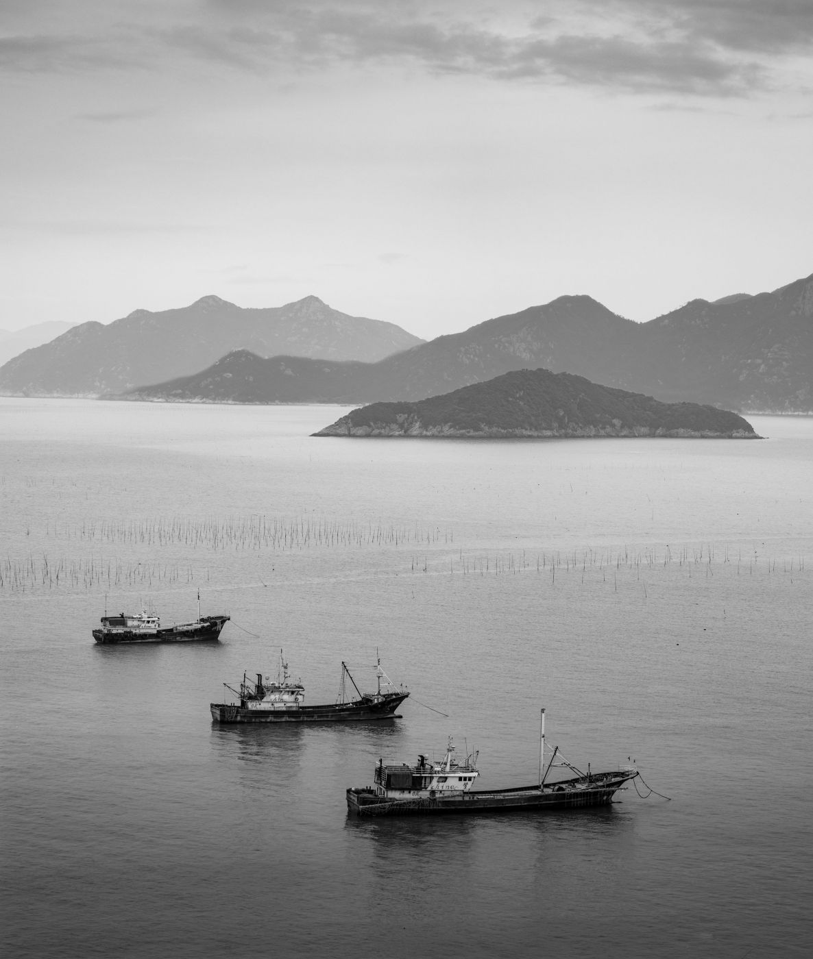 Three ships late afternoon Xiapu, China