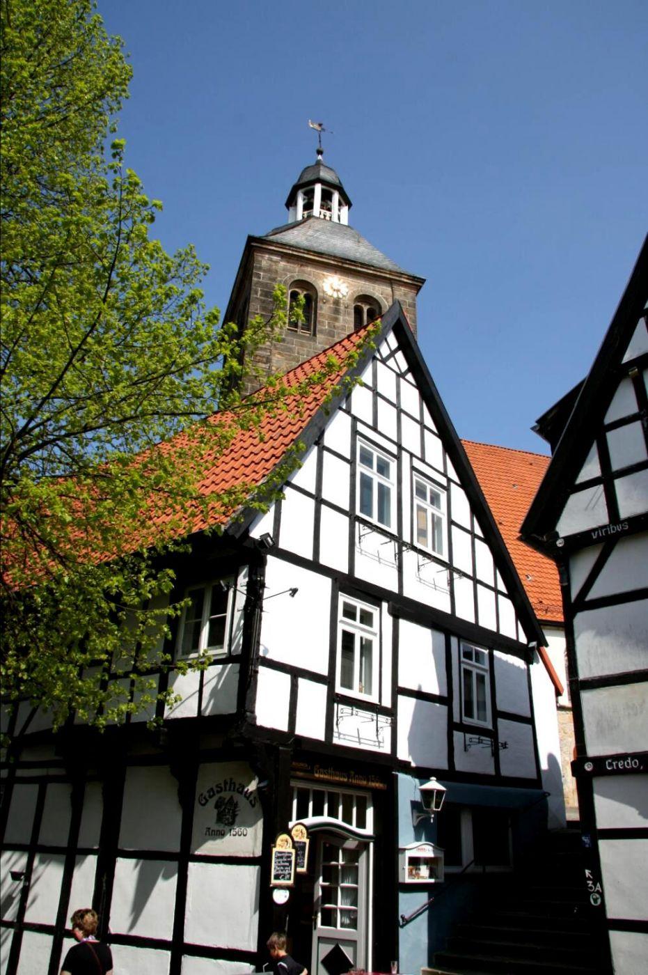Traufenhaus und ev. Kirche in Tecklenburg, Germany