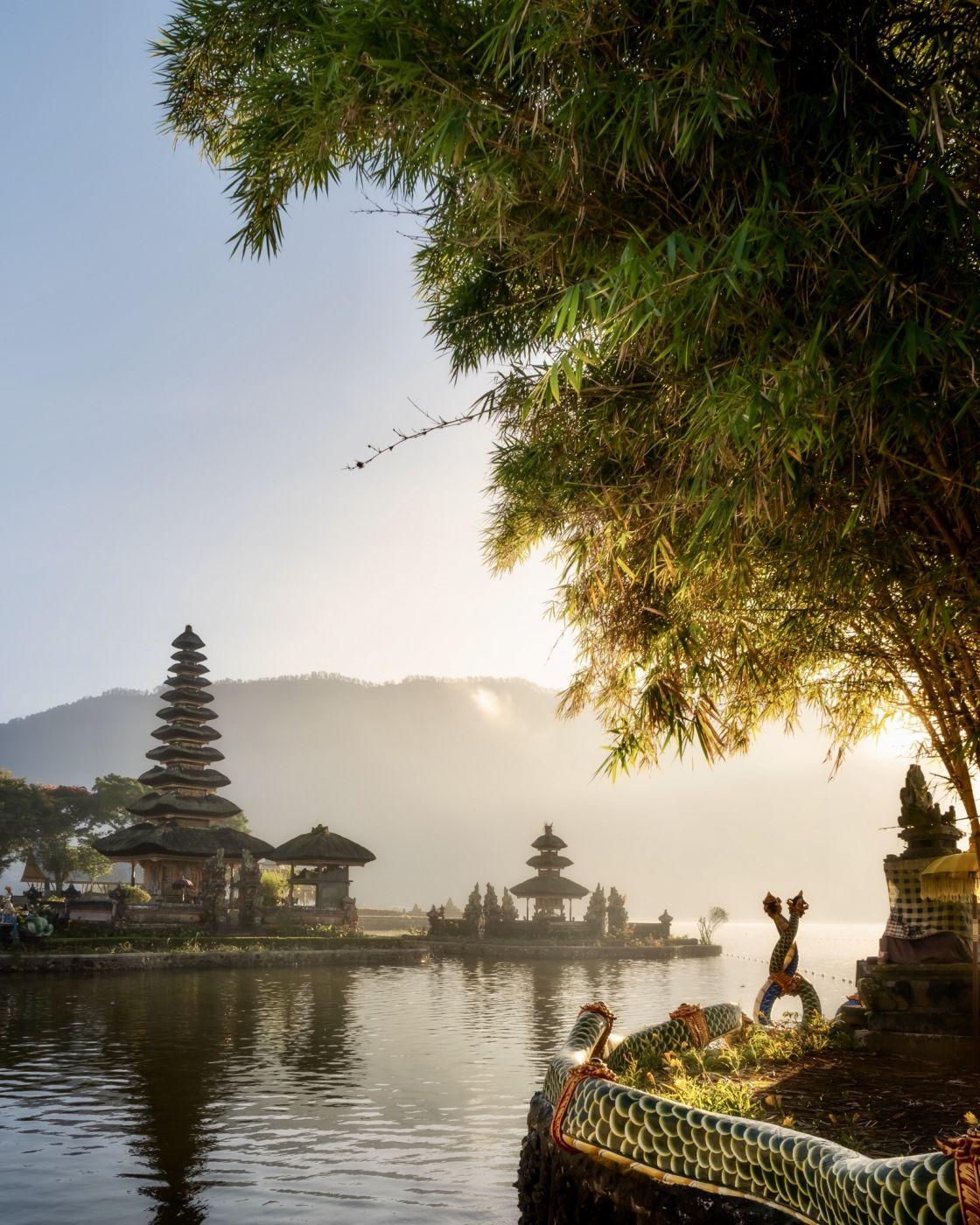 Ulun Dani Beratan Temple, Indonesia