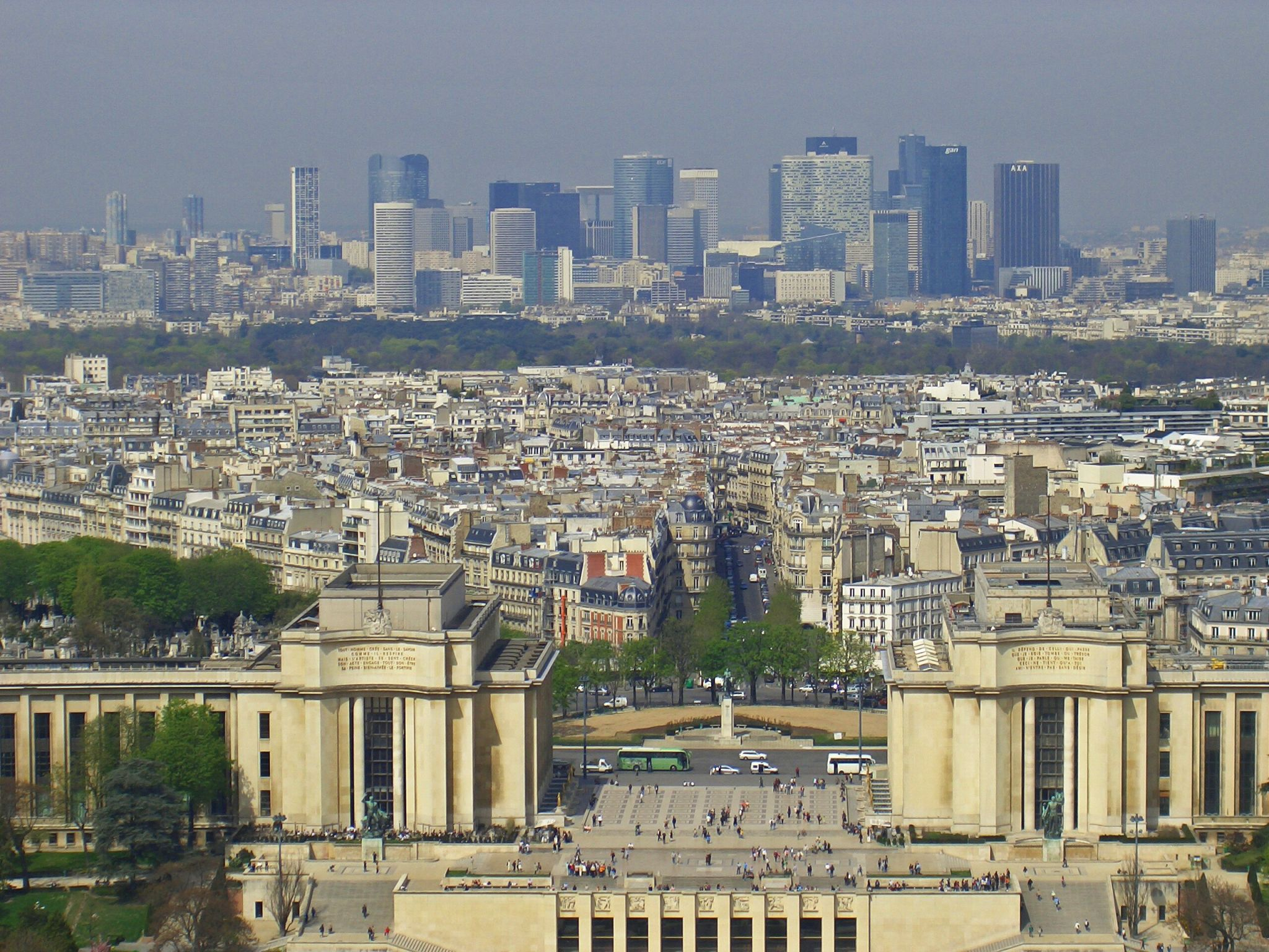 Blick vom Eiffelturm auf Paris, France