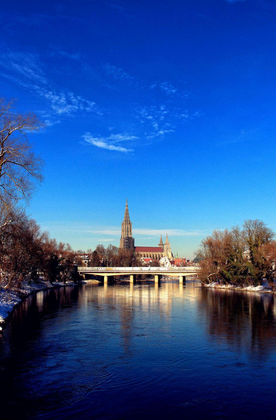 Blick von der Donau auf das Ulmer Münster, Germany