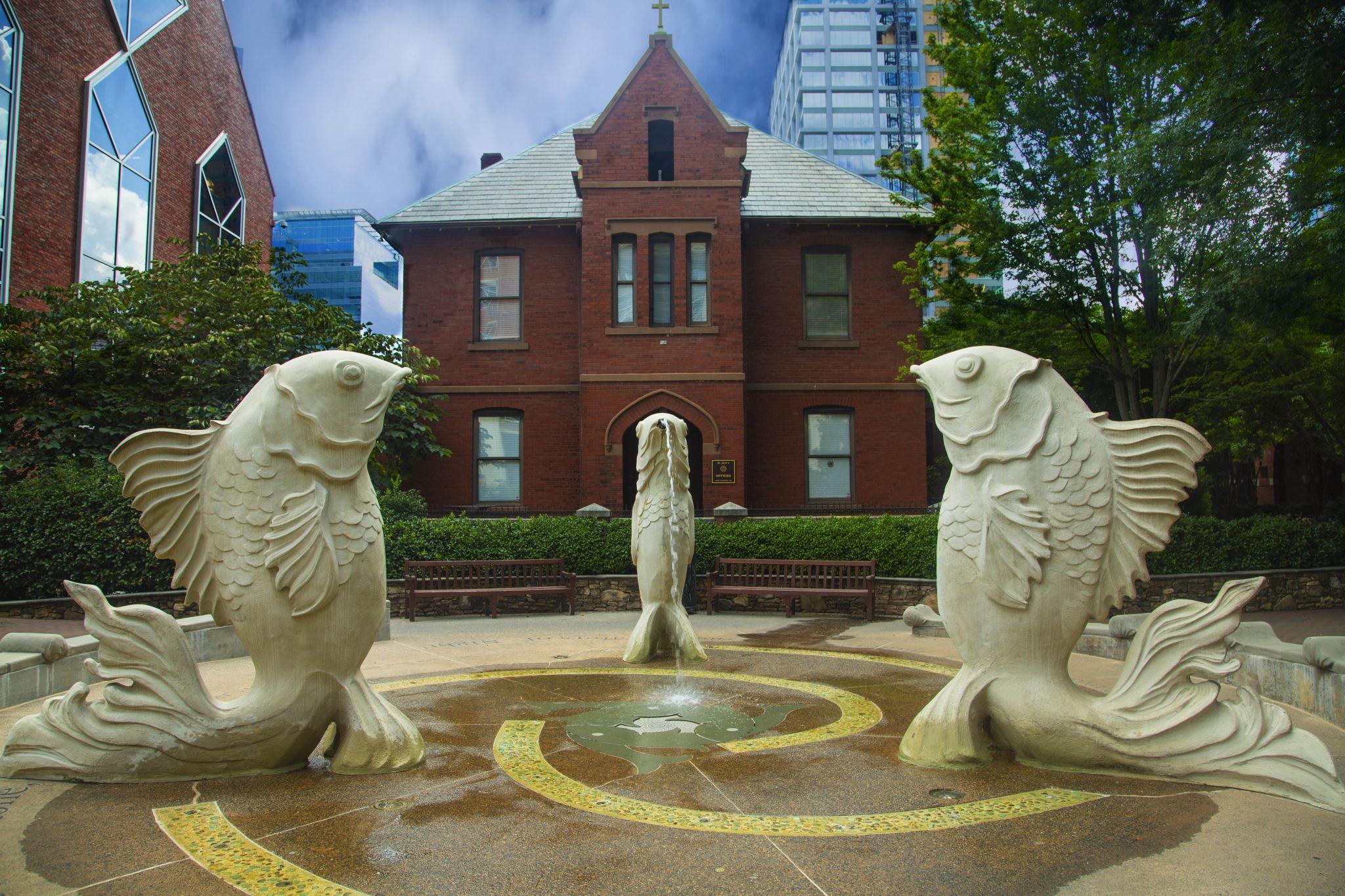 Carolyn Braaksma's Fish Fountain, USA