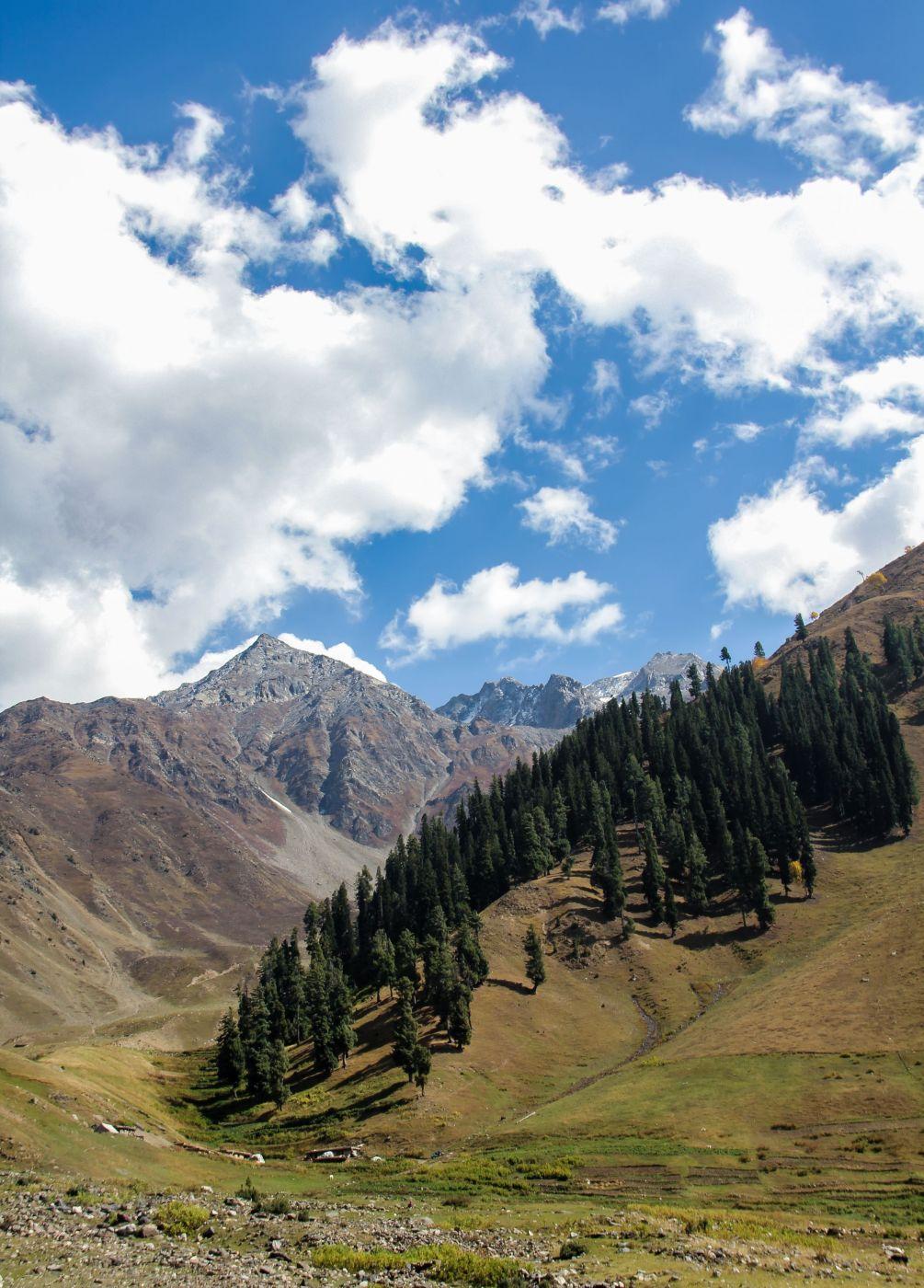 On way to Lulu Sar Top, Pakistan