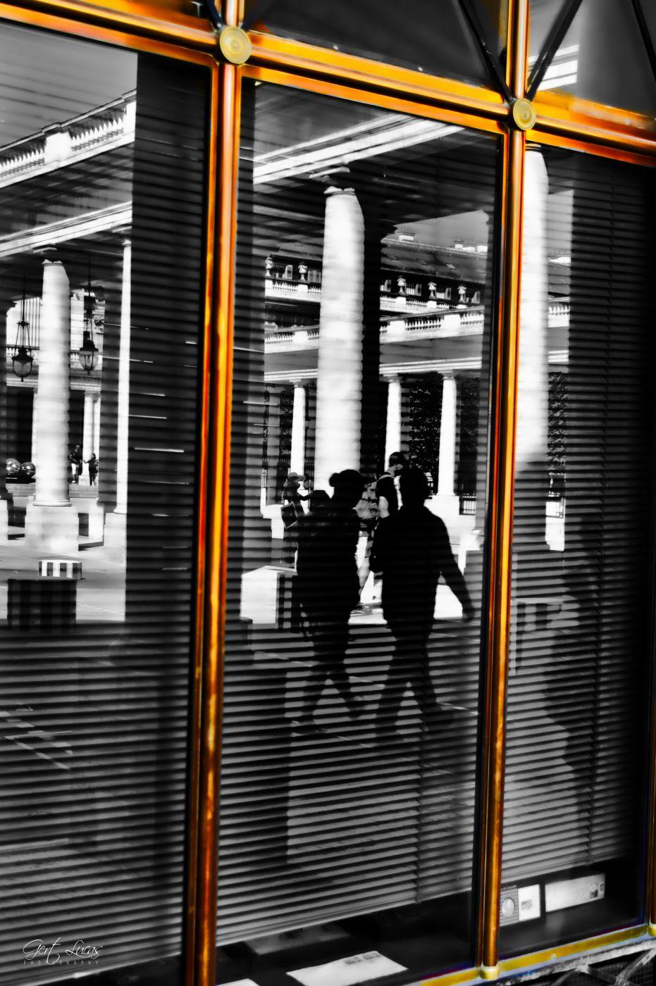 Reflecting upon Palais Royal, France
