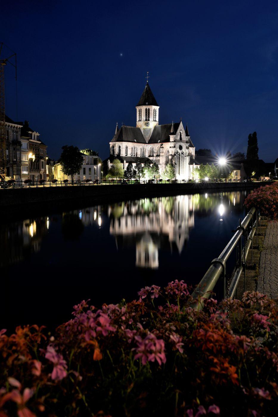 Scheldt Oudenaarde Onze-Lieve-Vrouwekerk Marketsquare, Belgium