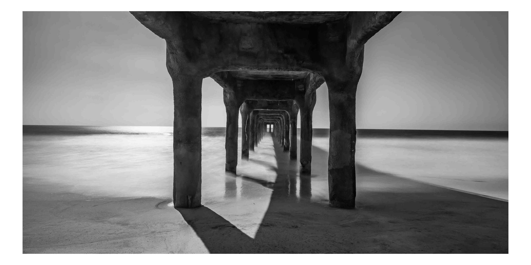 Under Manhattan Pier, USA