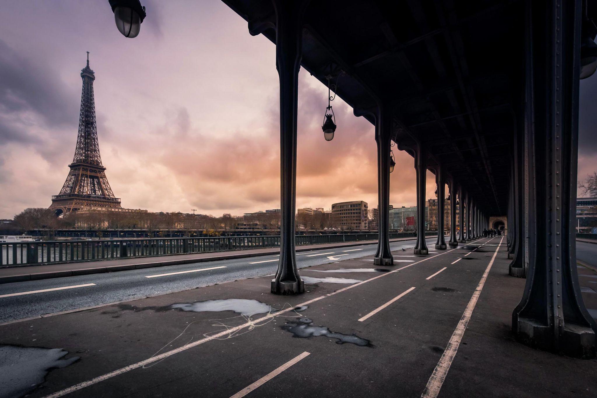 Bir Hakeim bridge, Paris, France