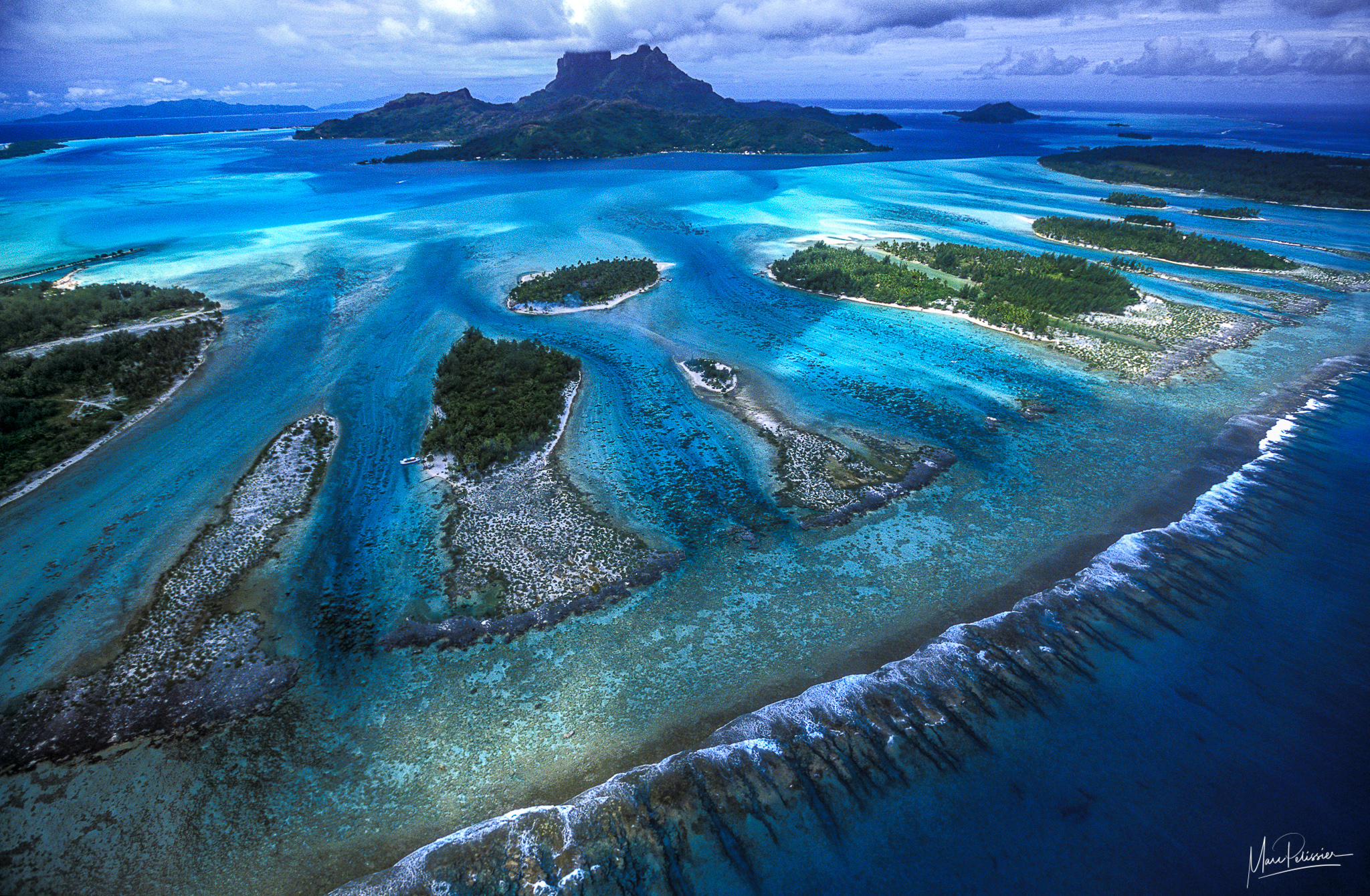 Barrier reef teeth, French Polynesia