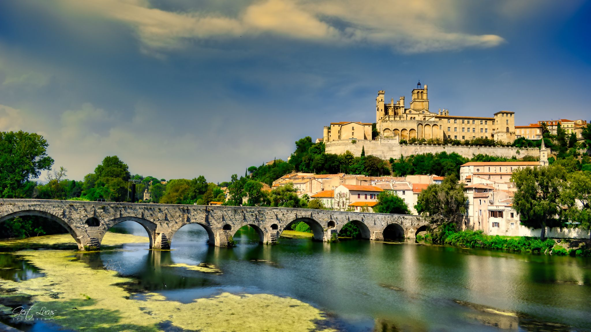 Béziers - Pont Vieux & Cathédrale St Nazaire, France