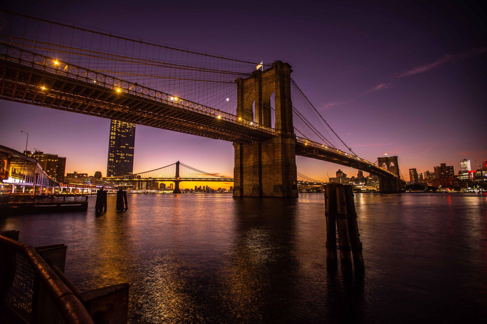 Brooklyn Bridge Sunrise Manhattan New York, USA