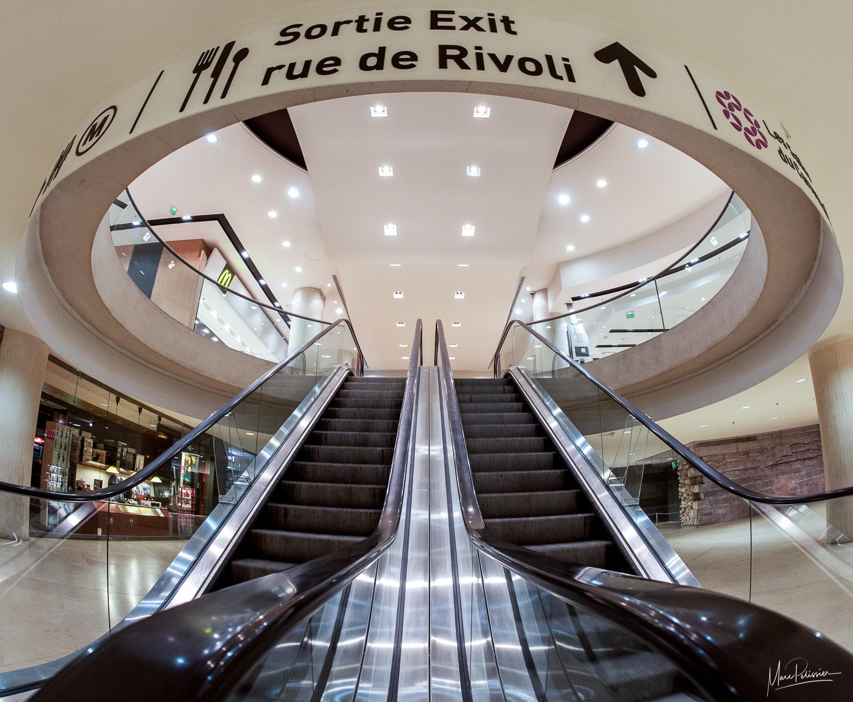 Modern alien in commercial gallery, France