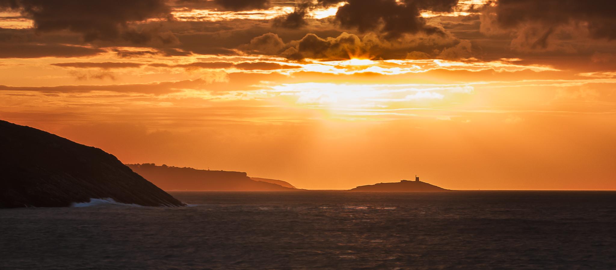 Îlot Saint-Michel, golden light before sunset, France