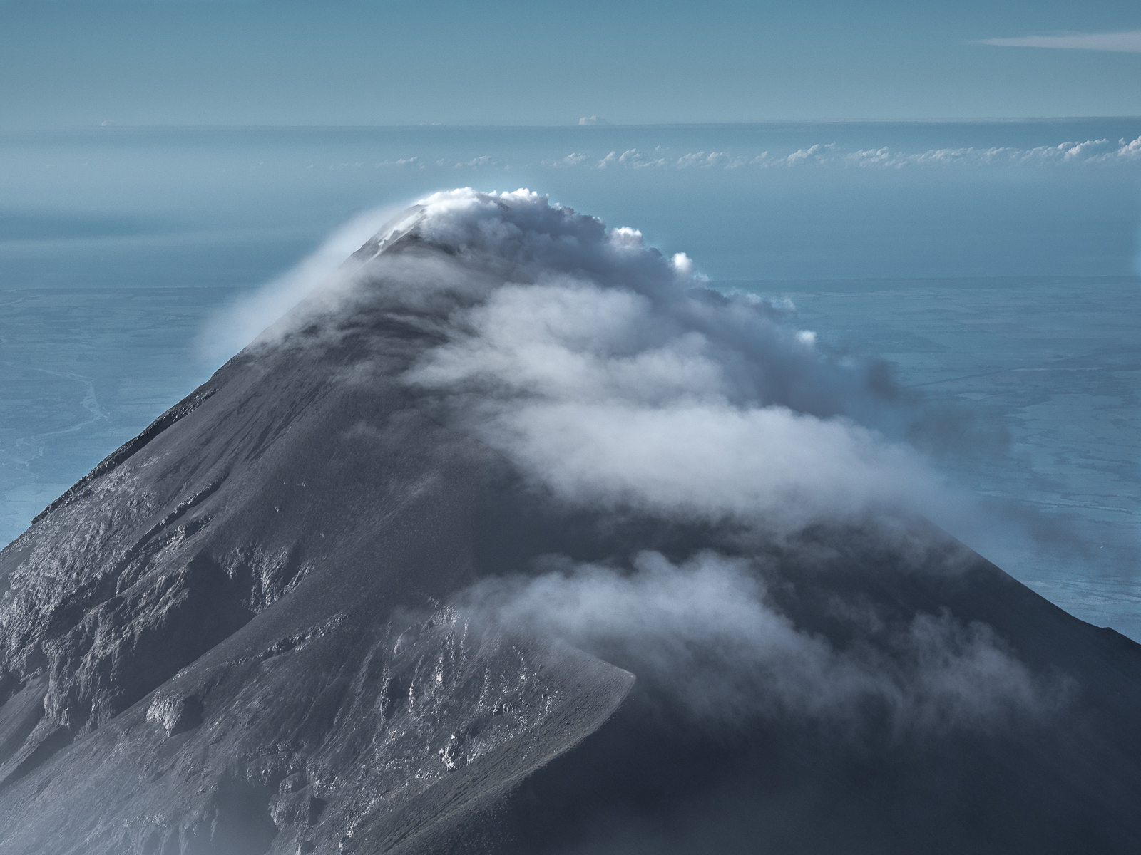 Volcan de fuego from Acatenango summit, Guatemala