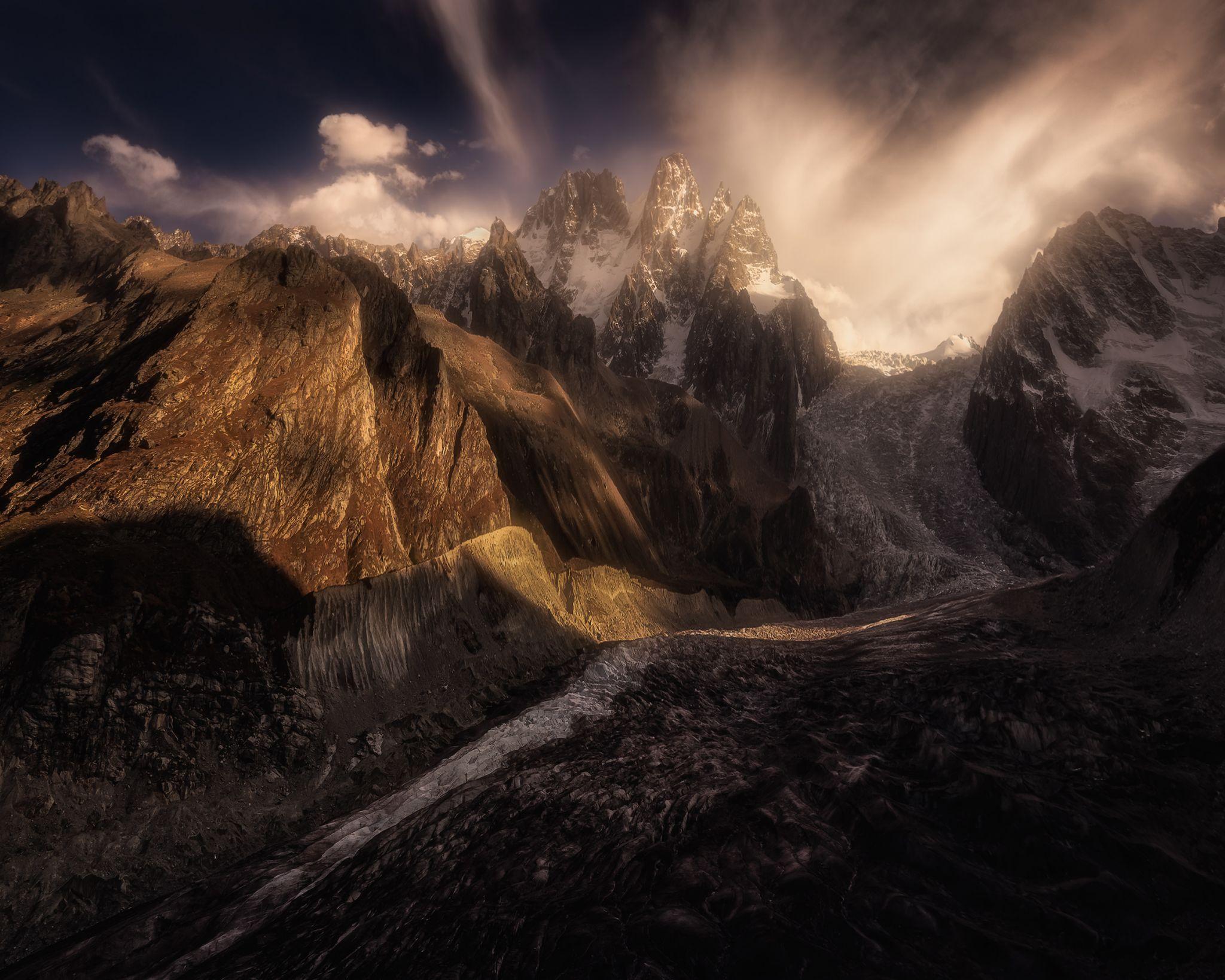 'Karaugom' Glacier, Russian Federation