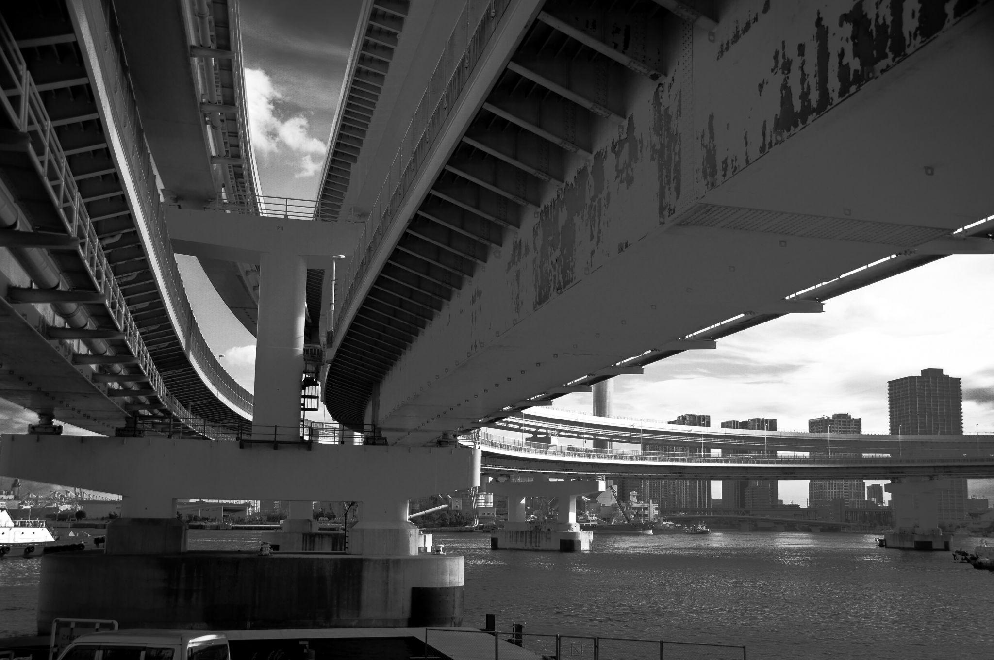 Rainbow Bridge ramp, Japan