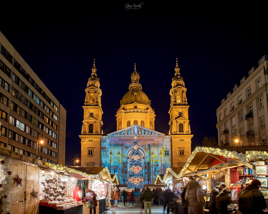 xmas market opposite the St. Stephen basilica, Budapest., Hungary