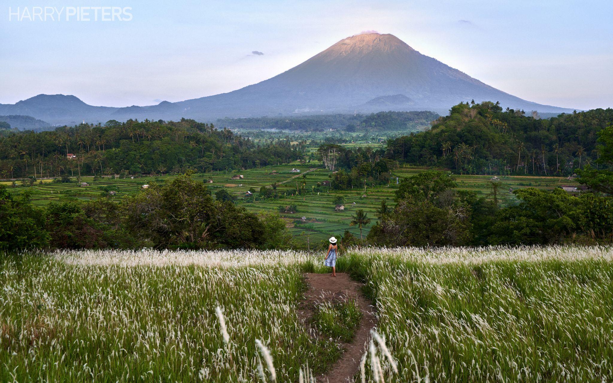 Bukit Cinta, Indonesia