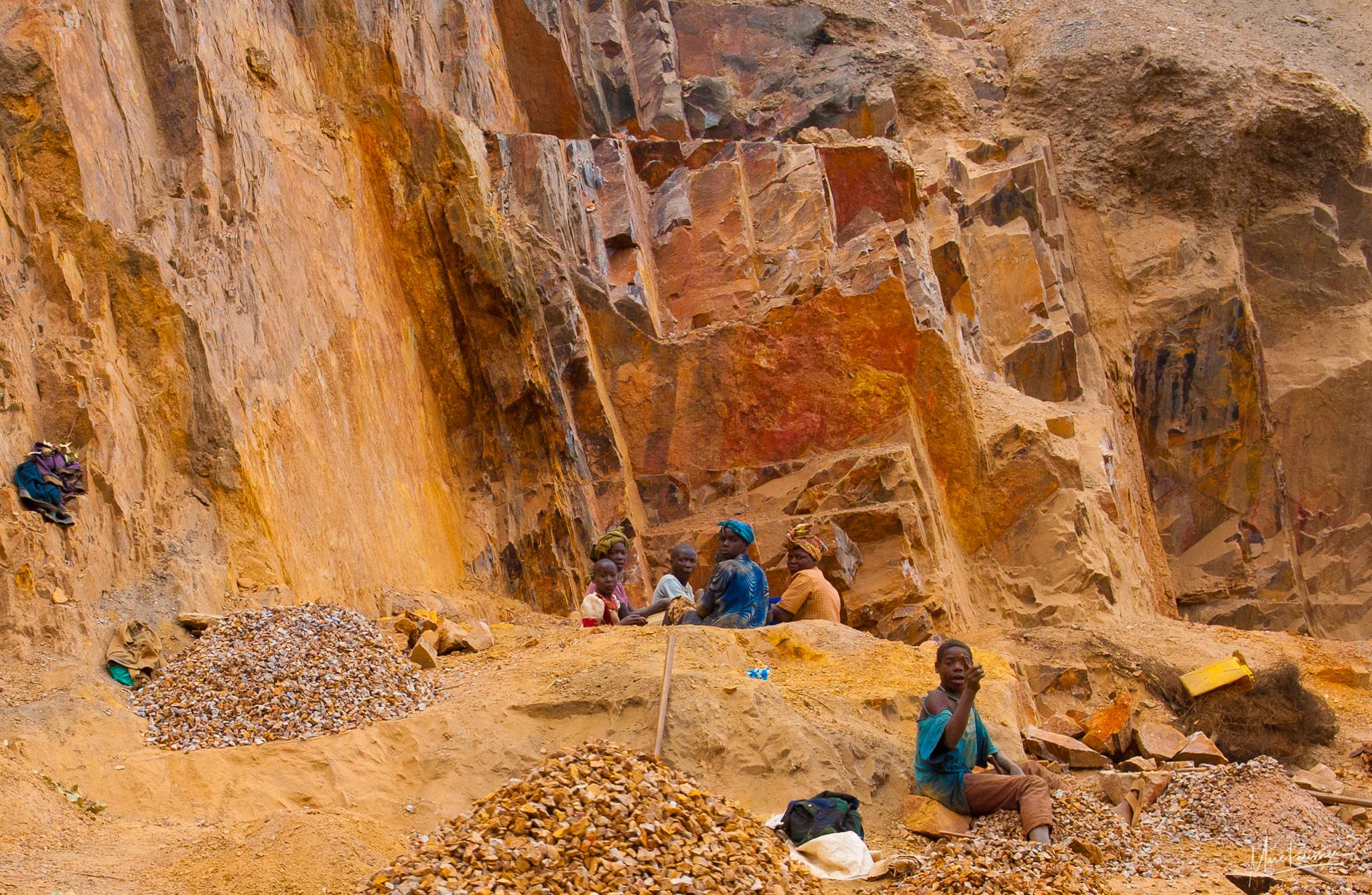 Hand mining, Uganda