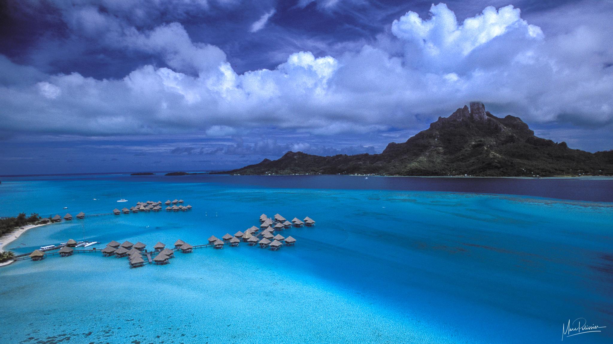 Fare Web, French Polynesia