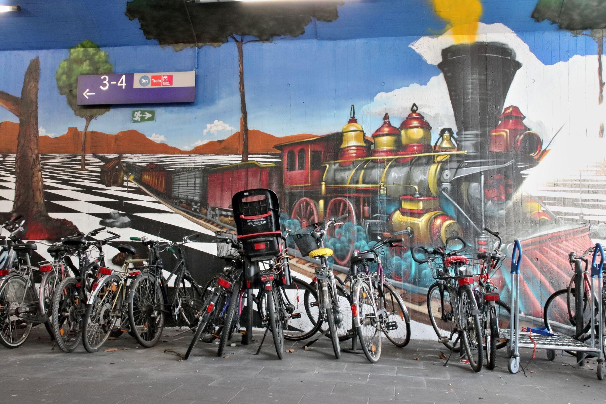 Grafitti am Bahnhof Ehrenfeld, Germany