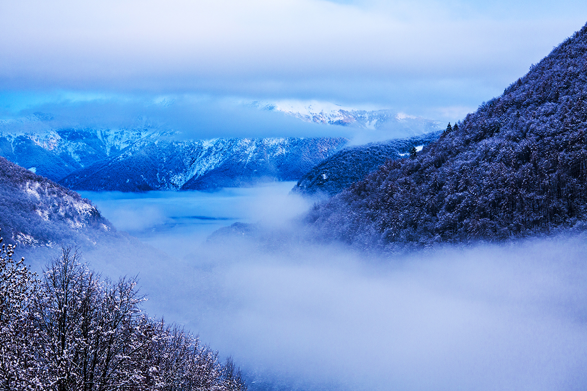 Morgenblick ins Lago Maggioretal, Switzerland