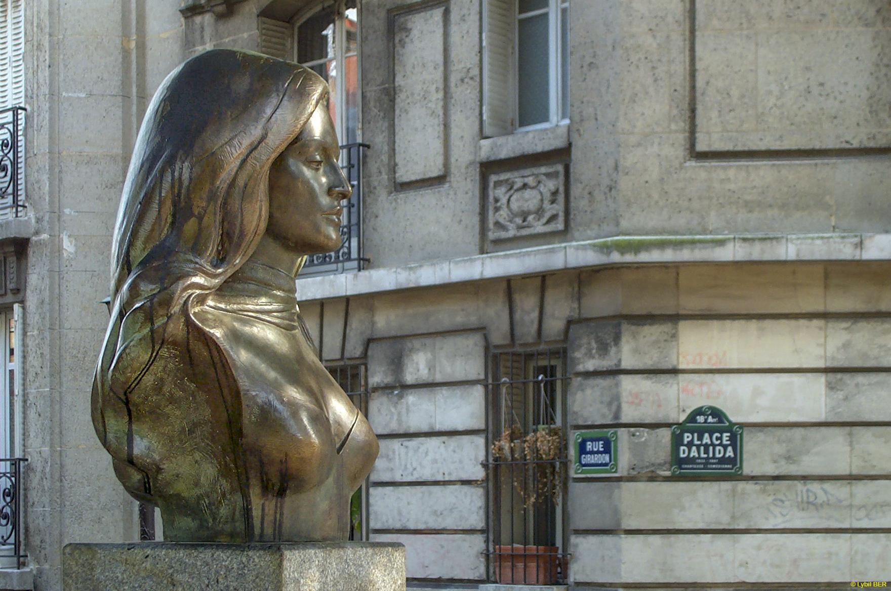 Place Dalida Bust, France