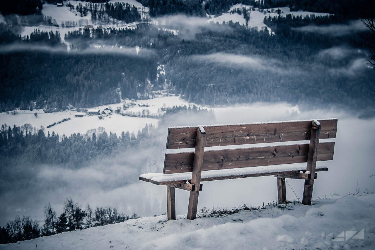 Sit alone, Italy