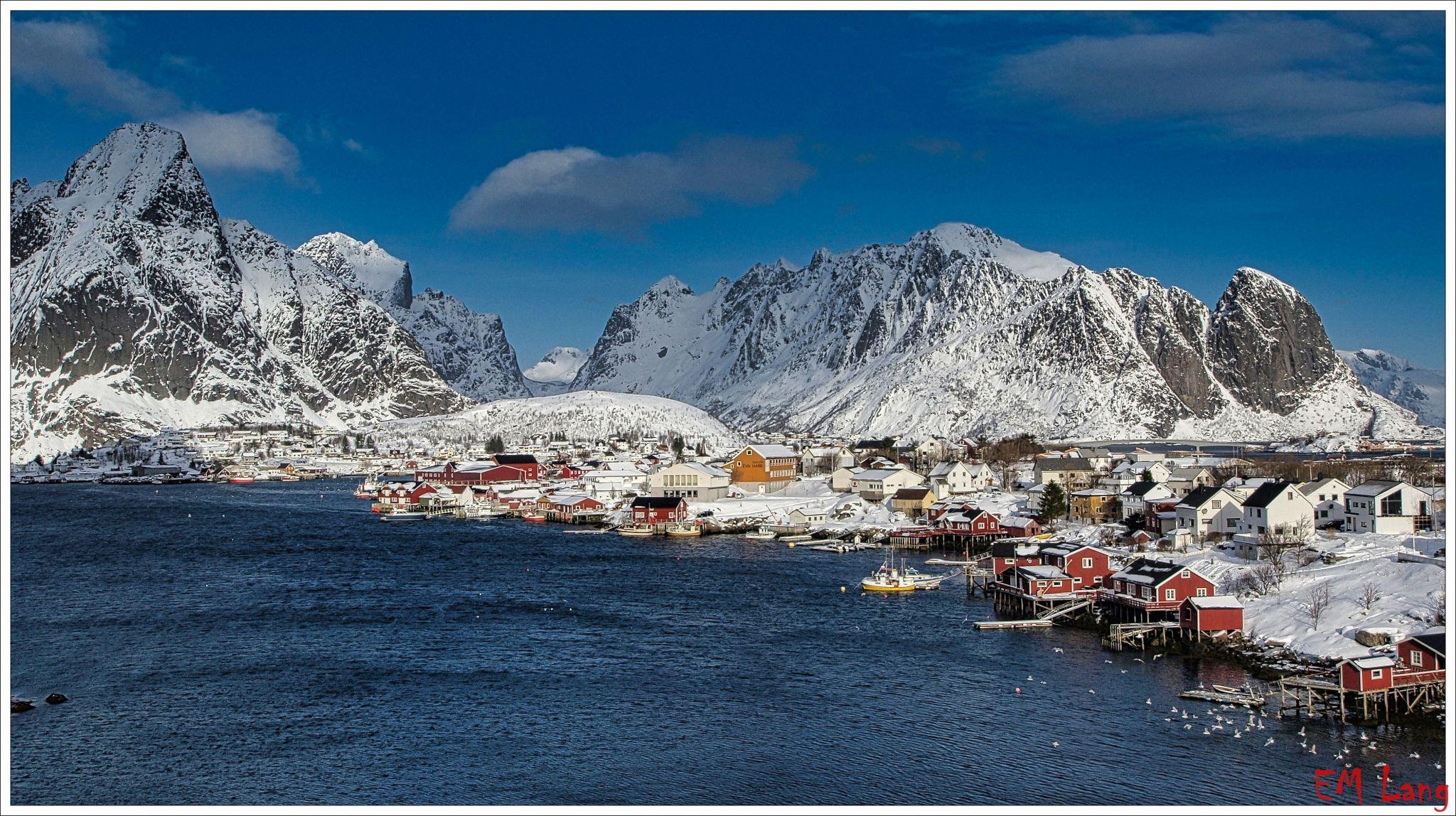 Beautiful cabins of Reine, Norway