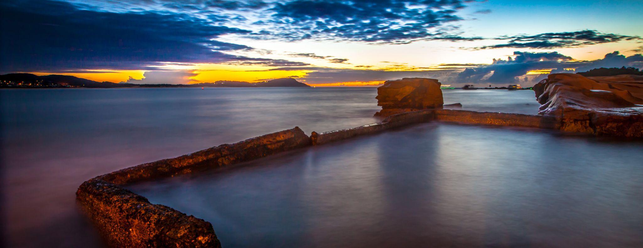 Pool sunrise Terrigal, Central Coast, New South Wales, Australia
