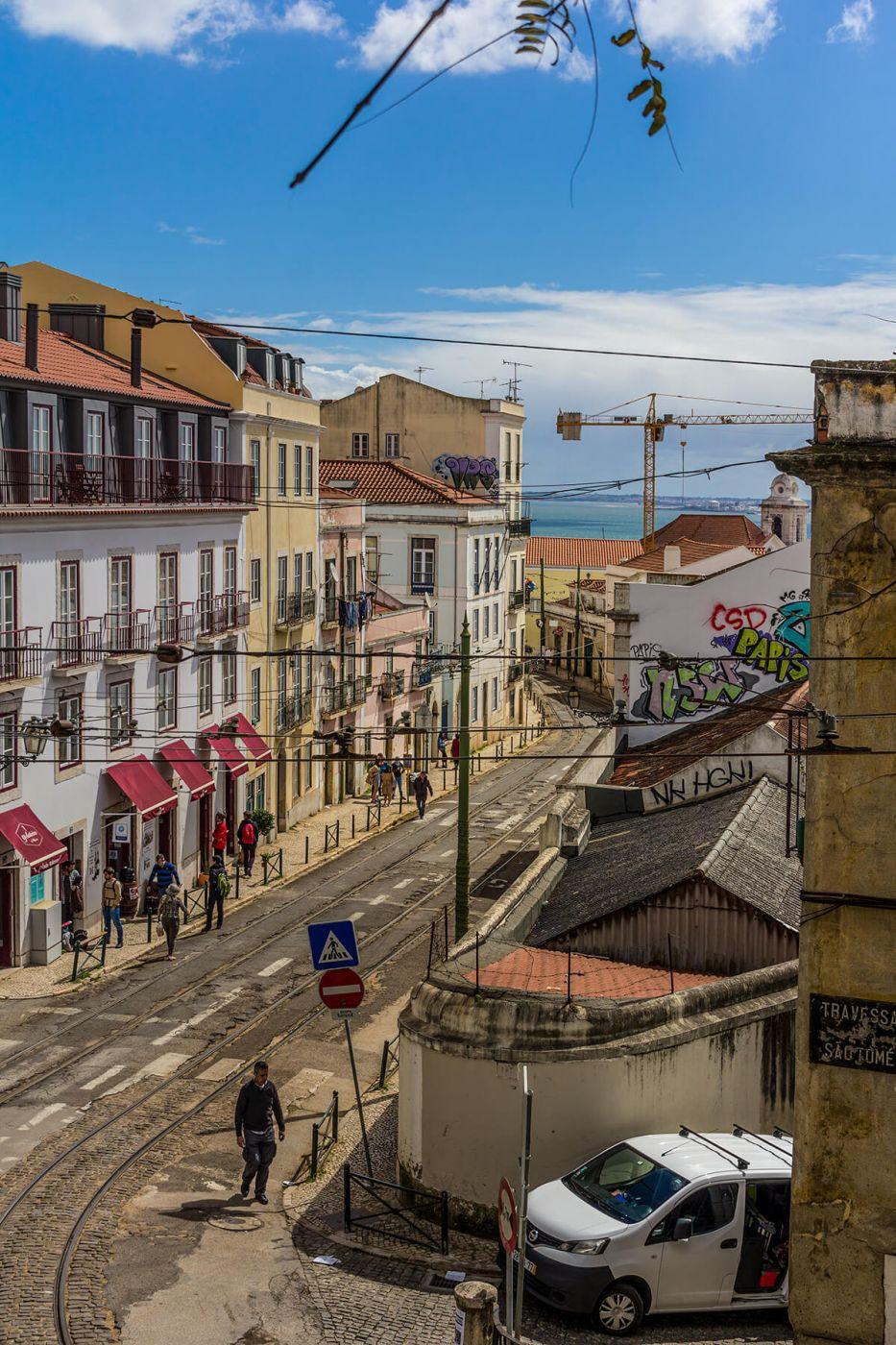 Rua das Escolas Gerais, Portugal