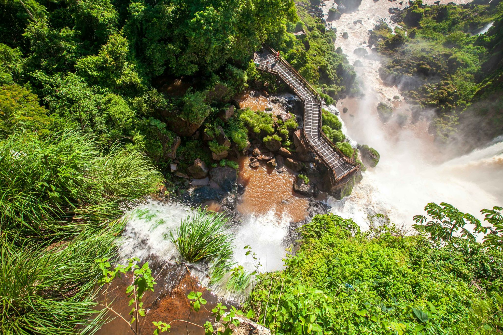 Salto Bossetti walk way from above Iguazu Falls, Argentina