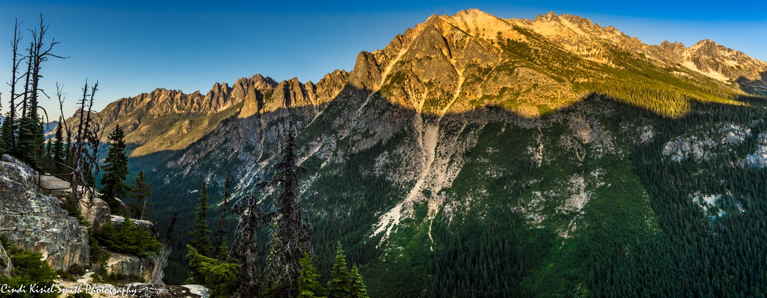 Washington Pass Viewpoint,  North Cascades Highway, USA