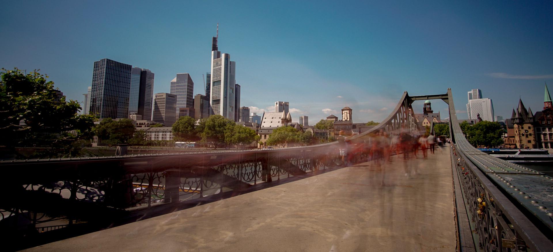 Eiserner Steg Frankfurt Skyline, Germany