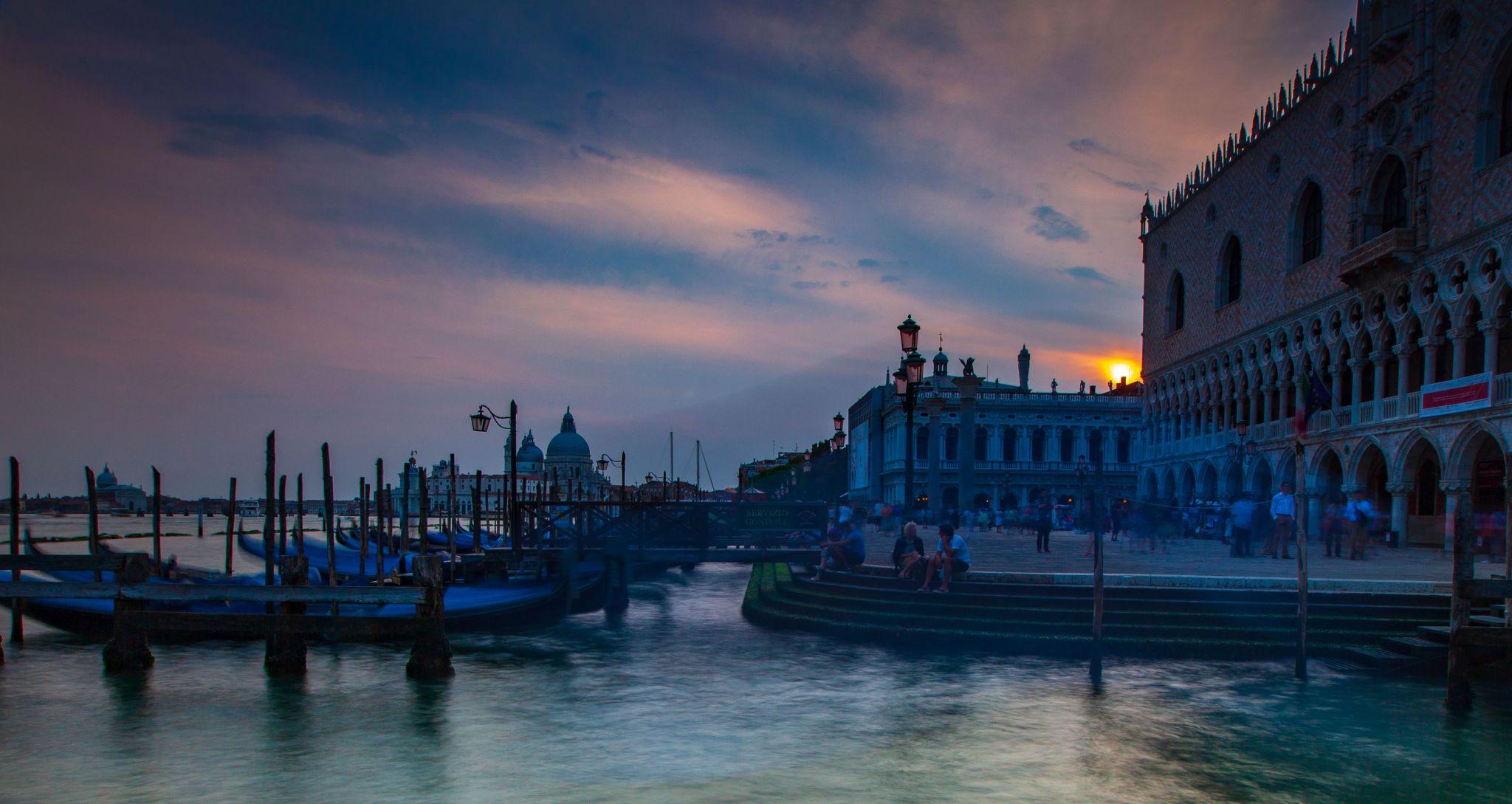 Ponte della Paglia sunrise Venice, Italy