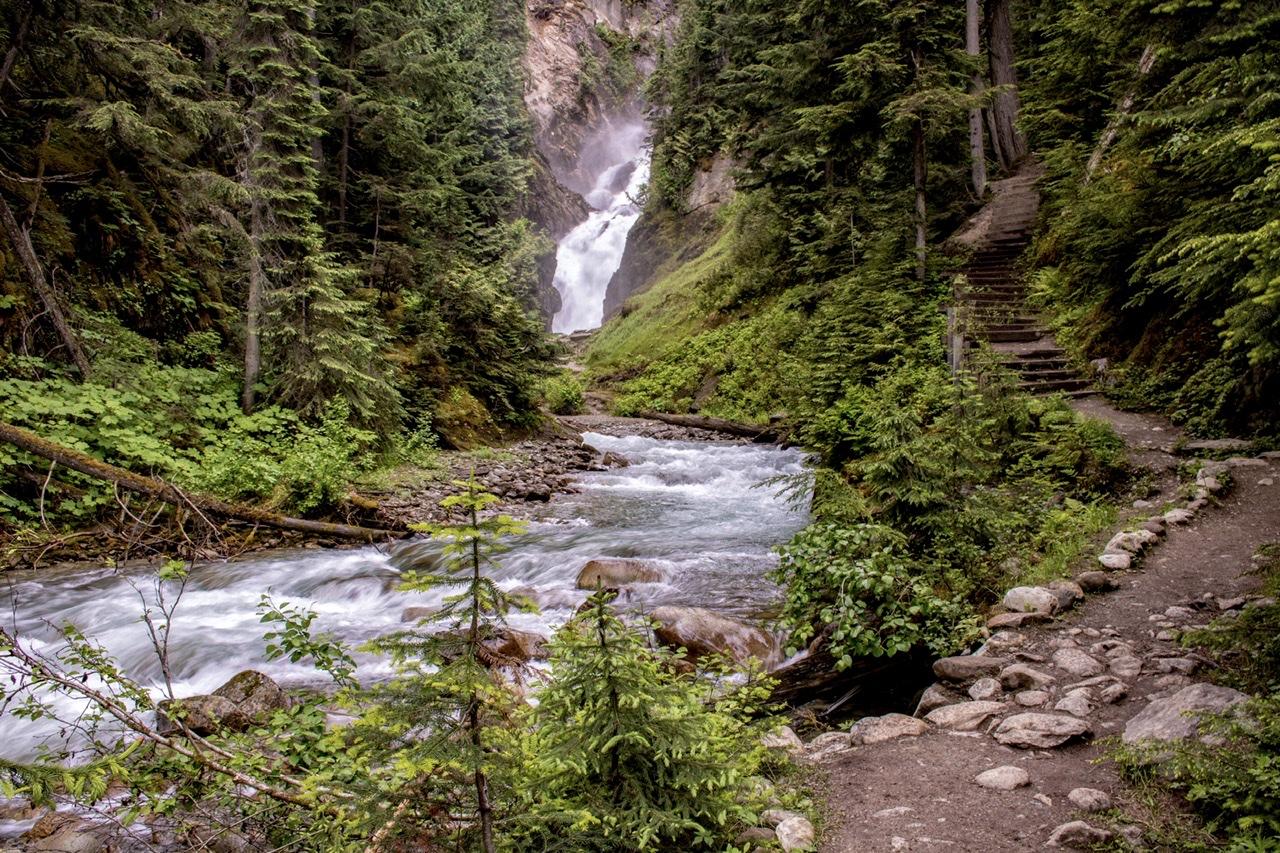 Bear Creek Falls, Canada