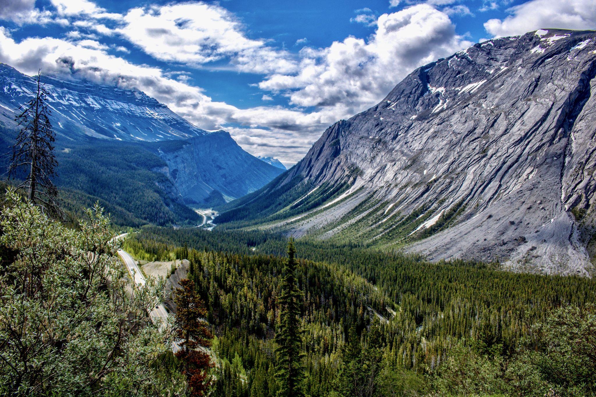 CIRRUS MOUNTAIN VIEWPOINT, Canada