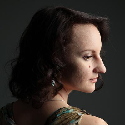 Lara Iris