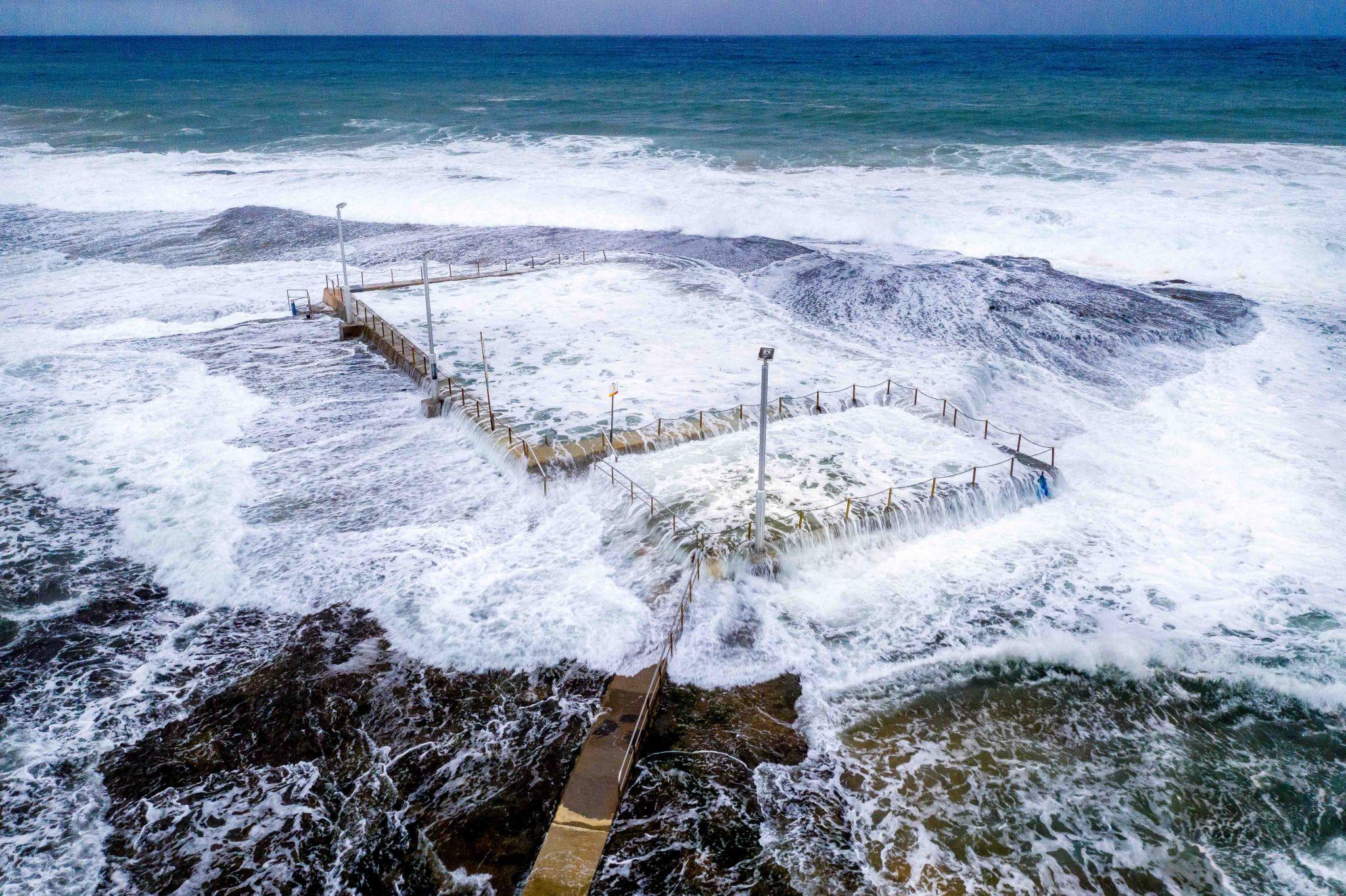 Mona Vale Pool big surf, Northern Beaches NSW, Australia