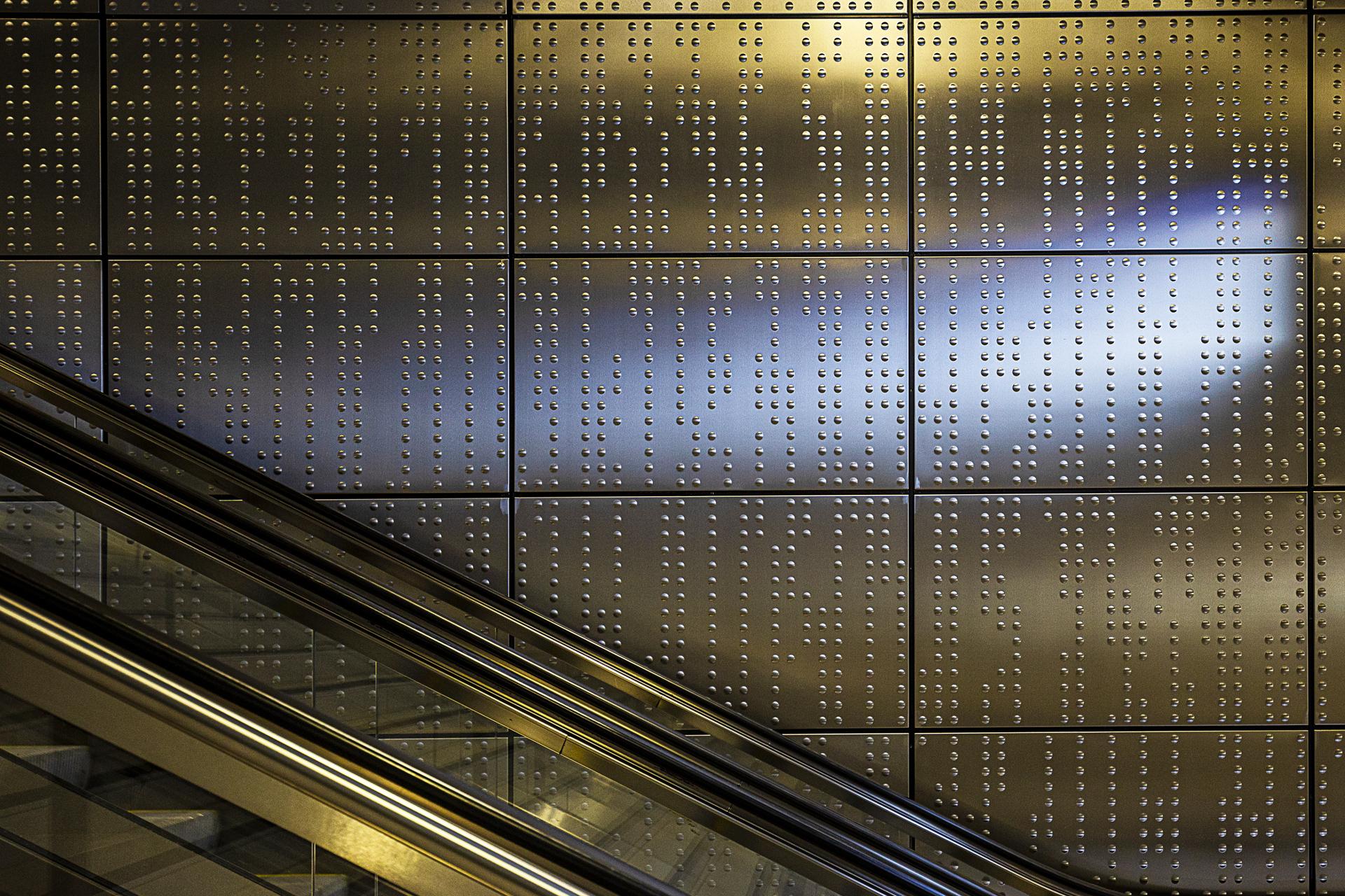 Wehrhahnlinie - U-Bahn-Station Benrather Straße, Germany