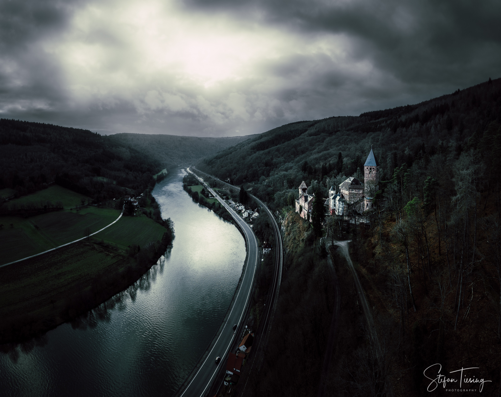 Zwingenberg Castle waiting for the storm, Germany