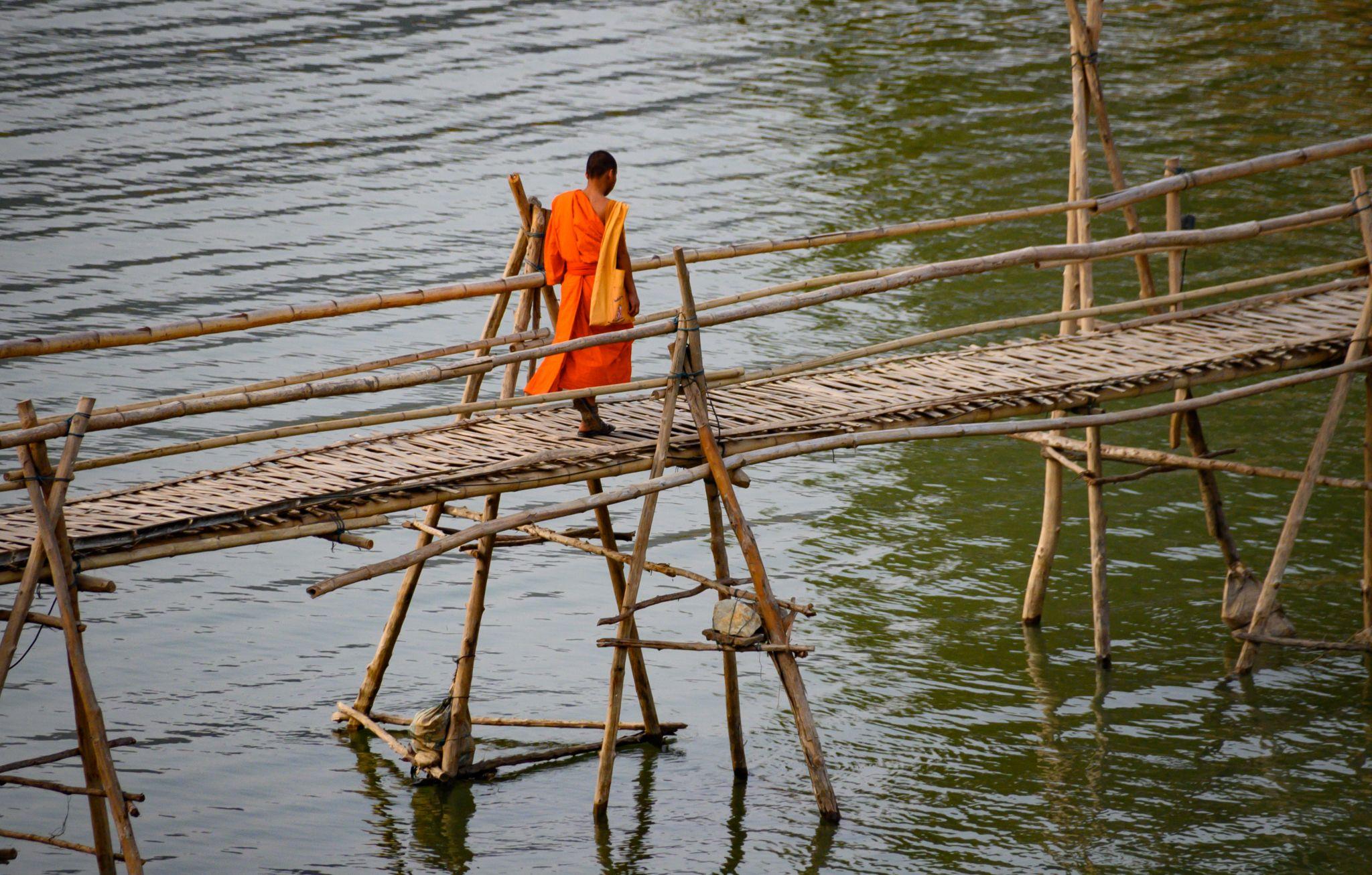 bamboo bridge, Lao