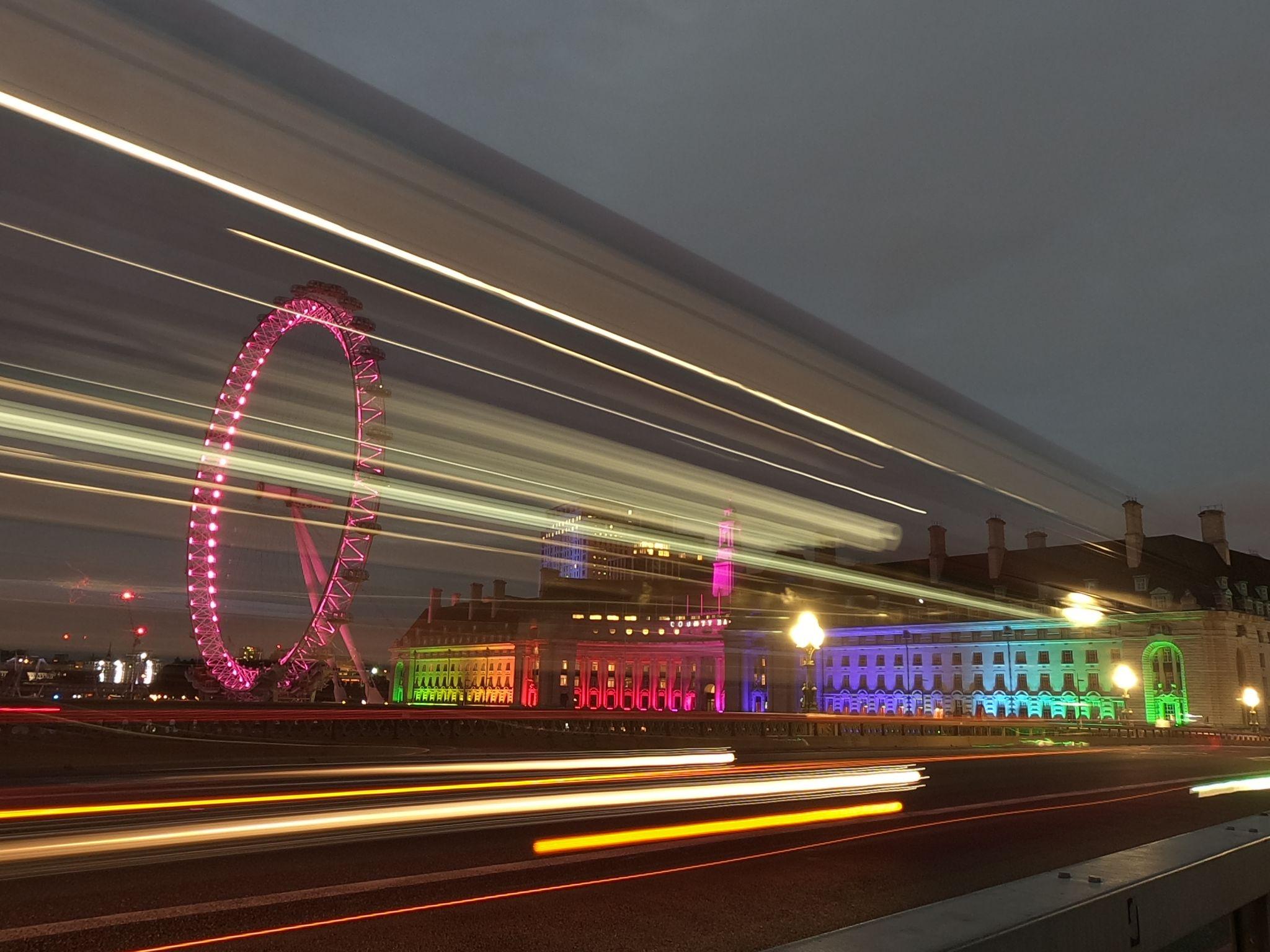Pavement Westminster Bridge, United Kingdom