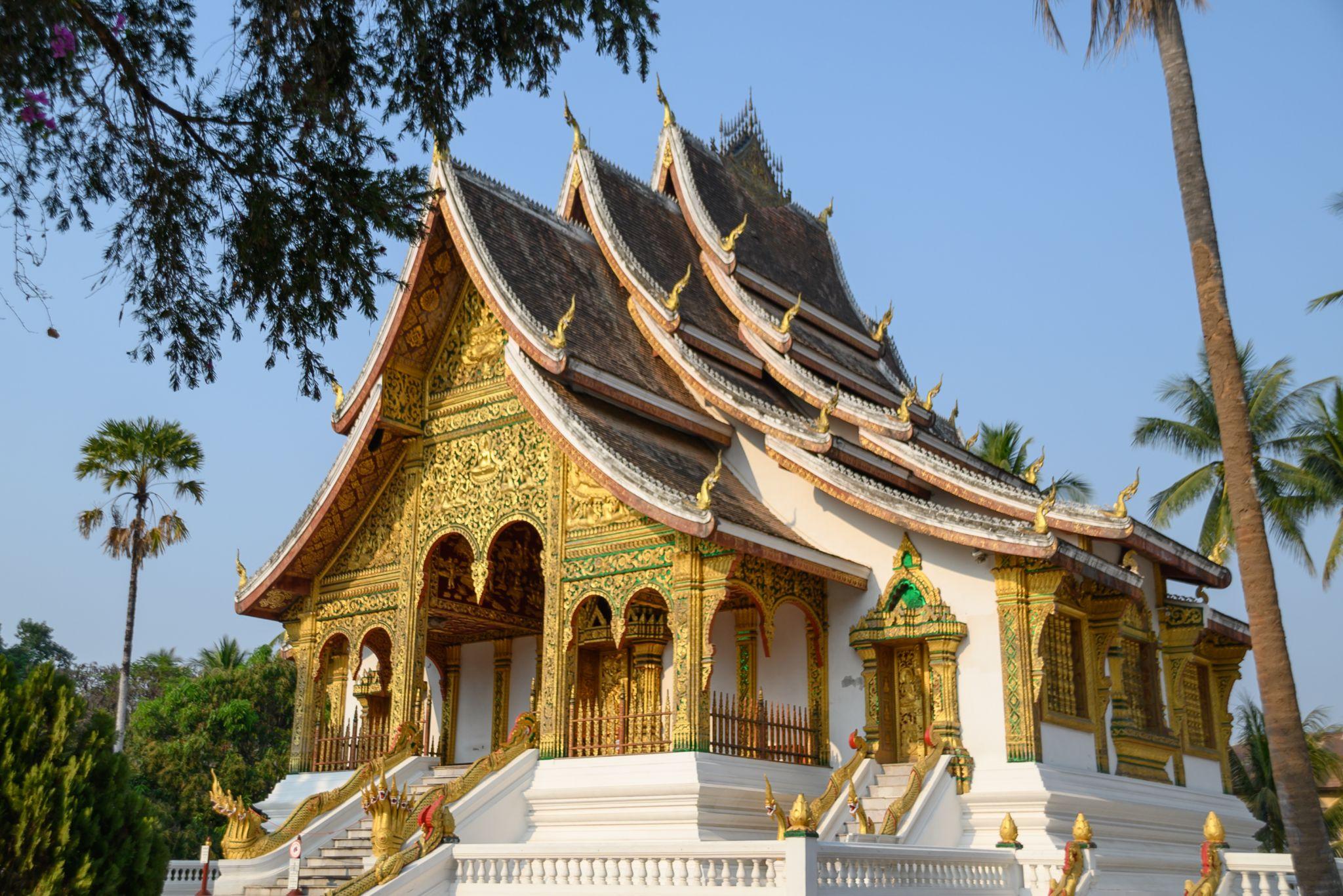 Wat May temple, Lao
