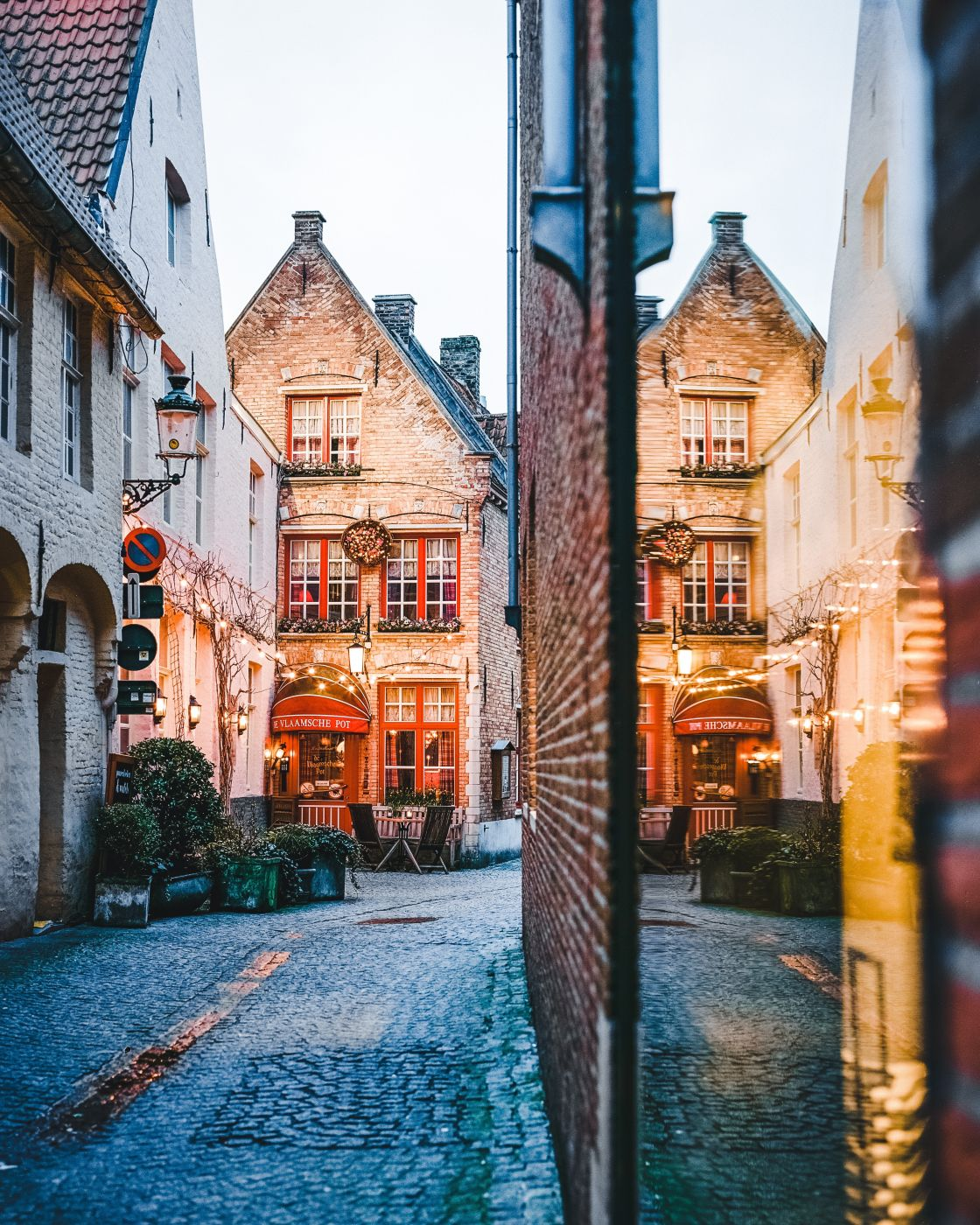 De Vlaamsche Pot - Bruges, Belgium, Belgium