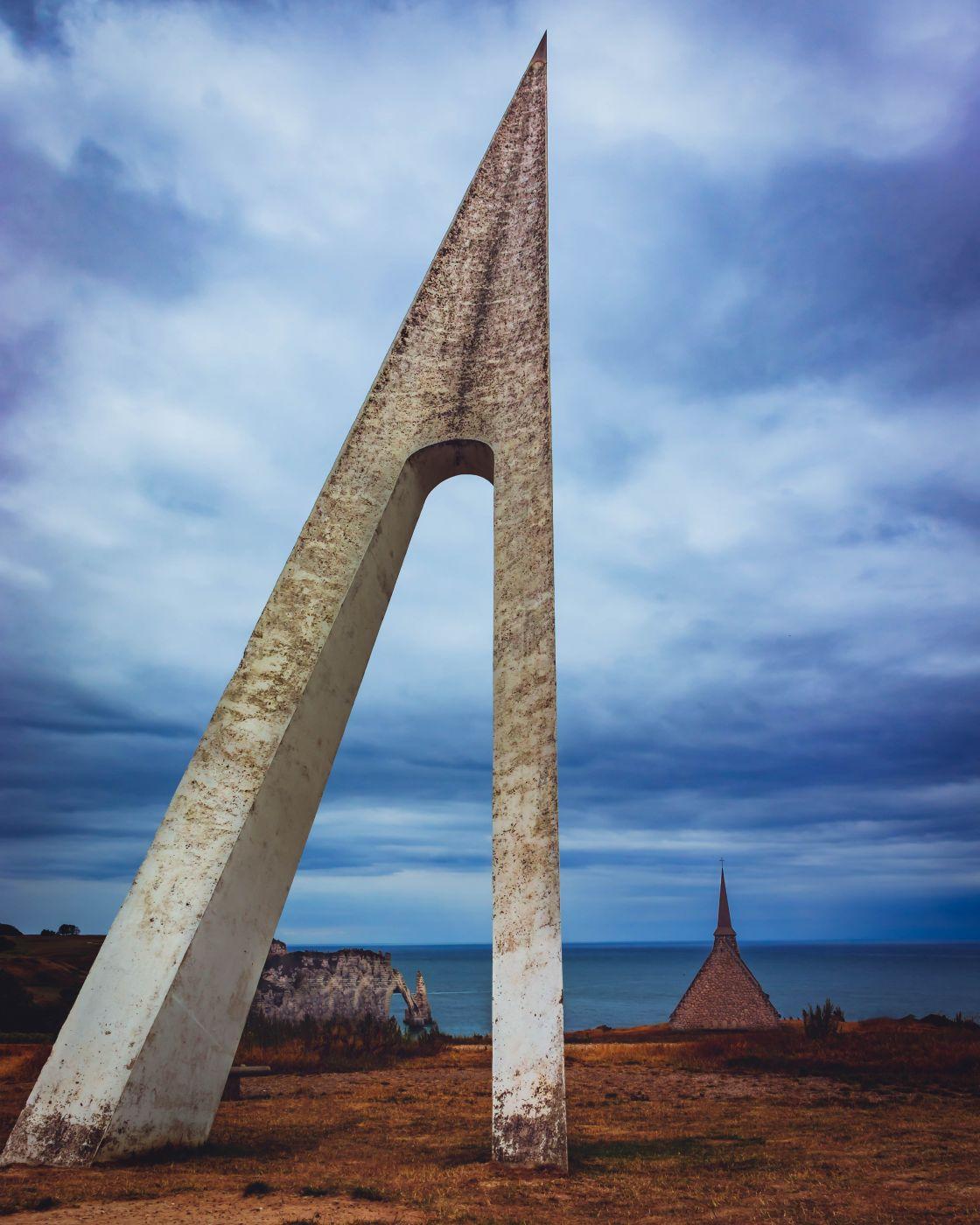 Monument L'Oiseau Blanc, France